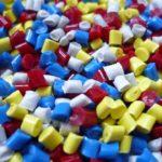 Plast – det nya materialet i slöjdsalen?